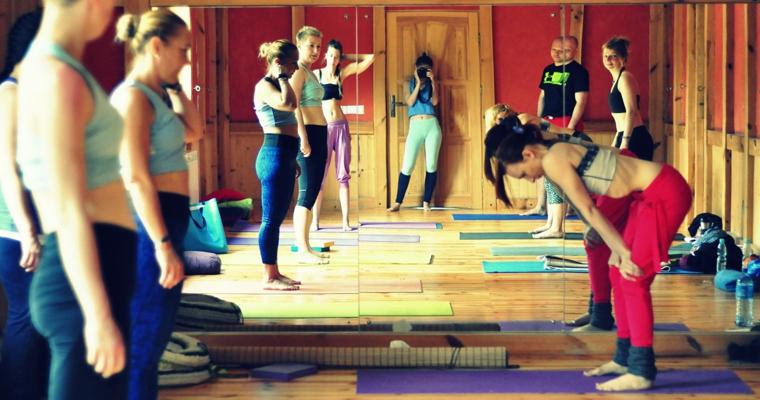 Galeria z warsztatów jogi z Patrycją Gawlińską 20-21.02.2016