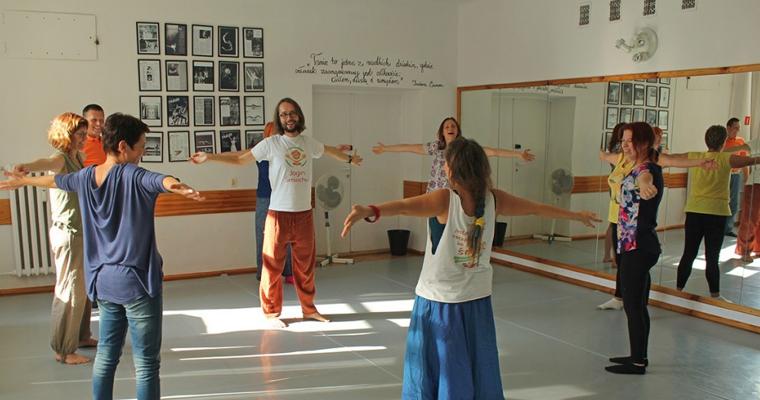 """Galeria """"Paszport do Krainy Radości"""" warsztaty jogi śmiechu 19 września 2015"""